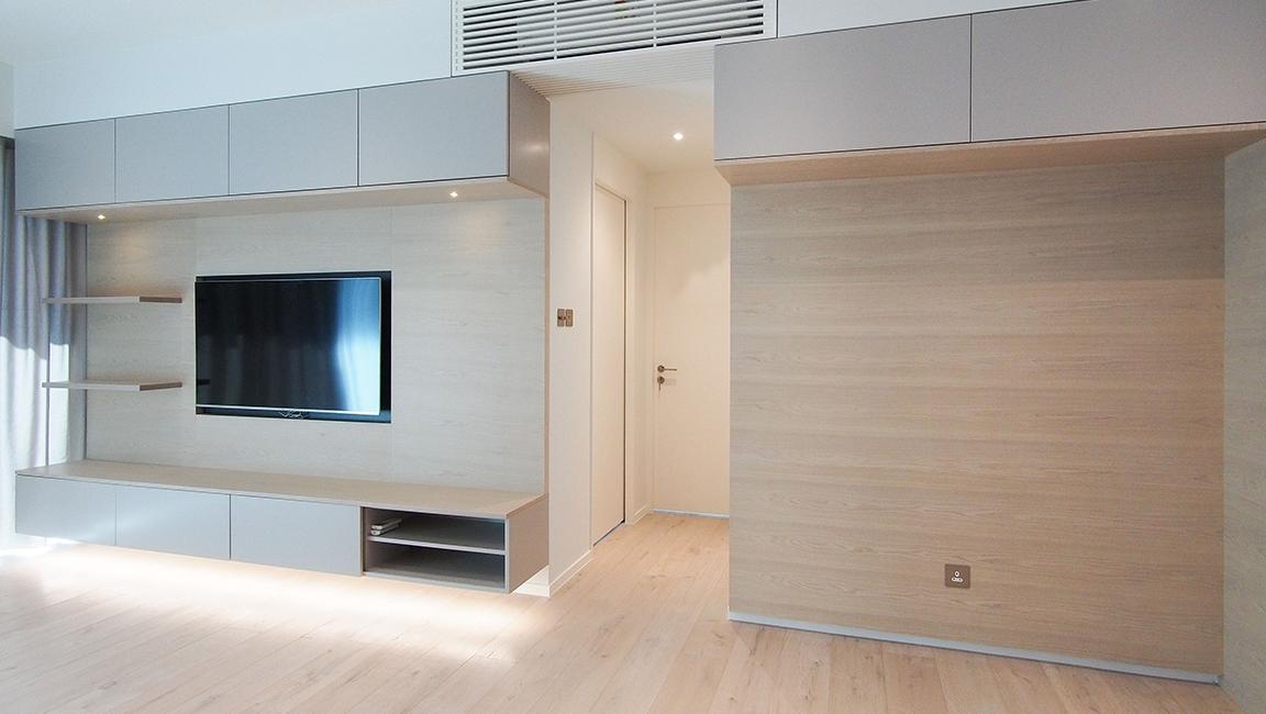 Ho Man Tin apt - Living room 02.jpg