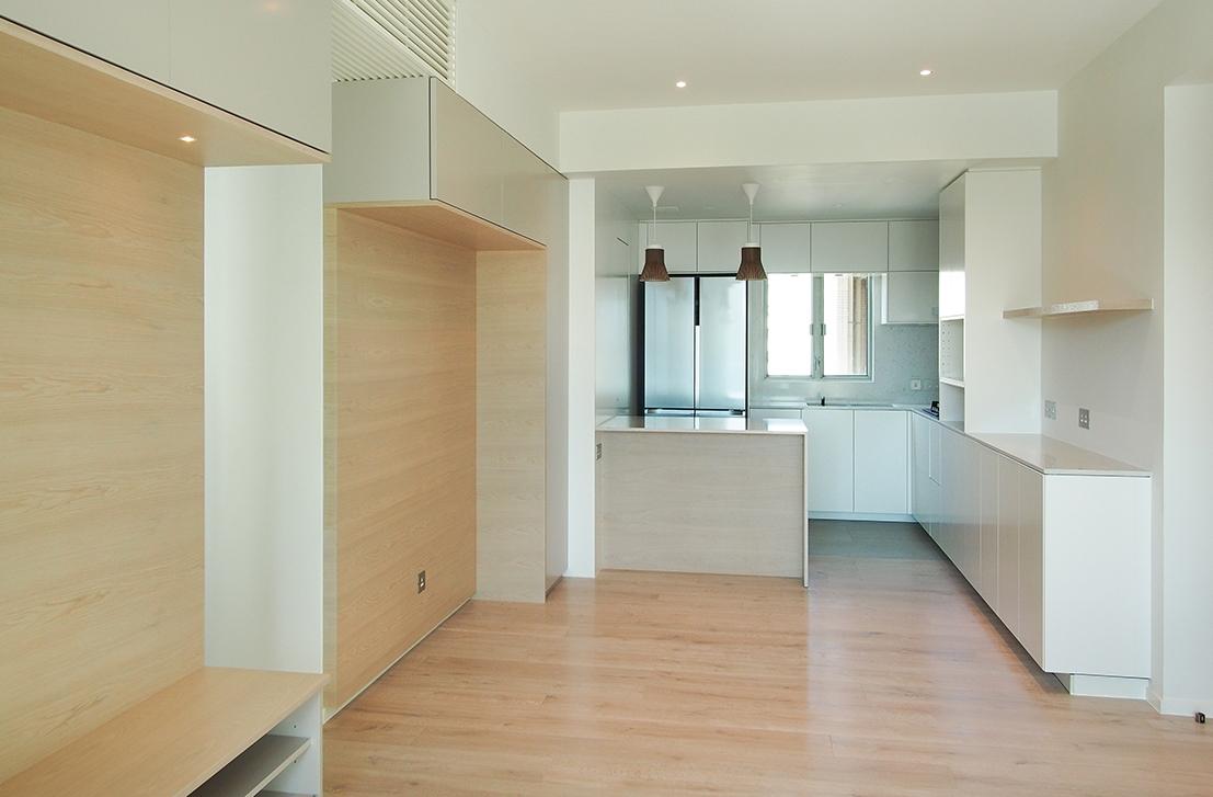 Ho Man Tin apt - Living room.jpg