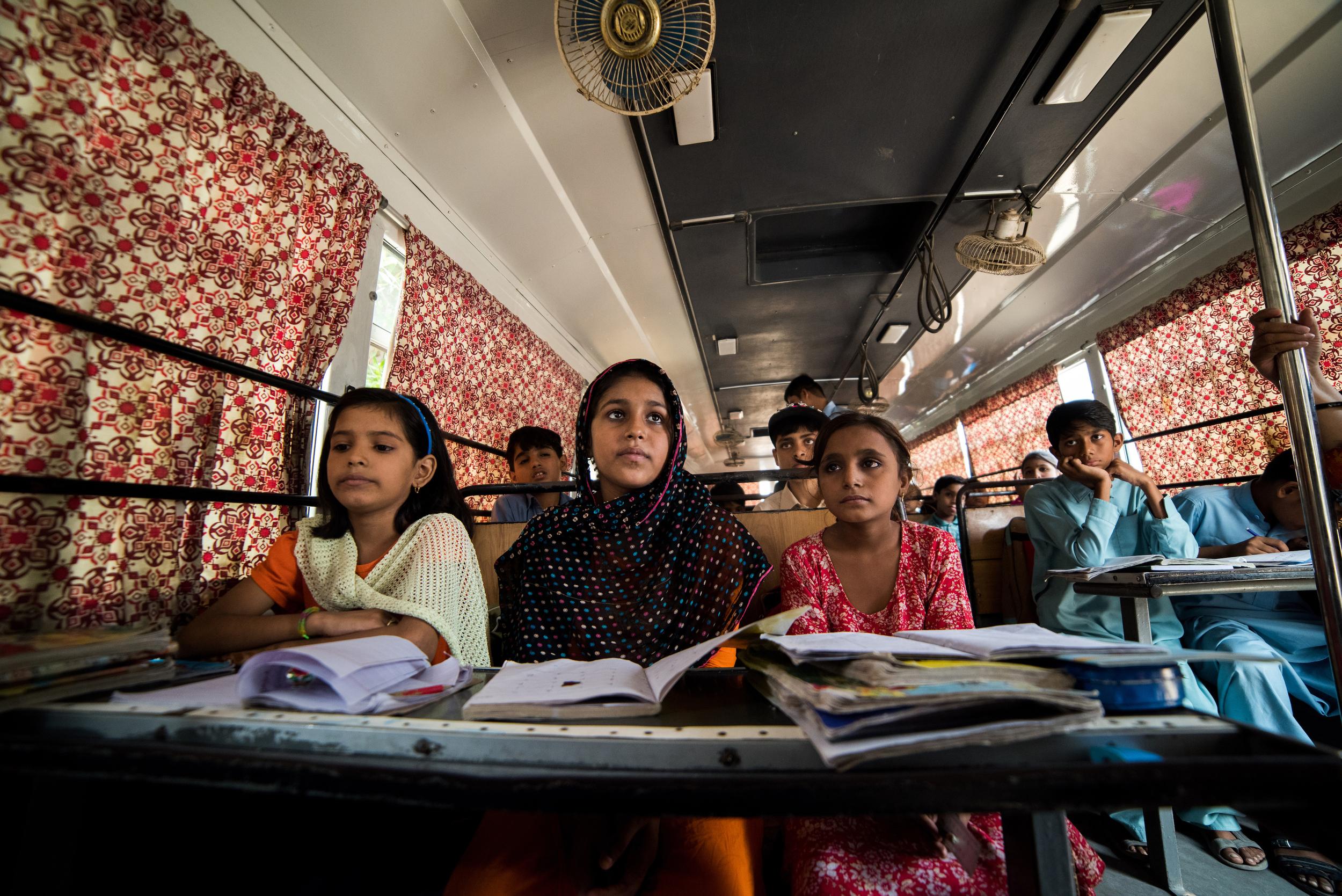 School in a Bus | Karachi (2/3)