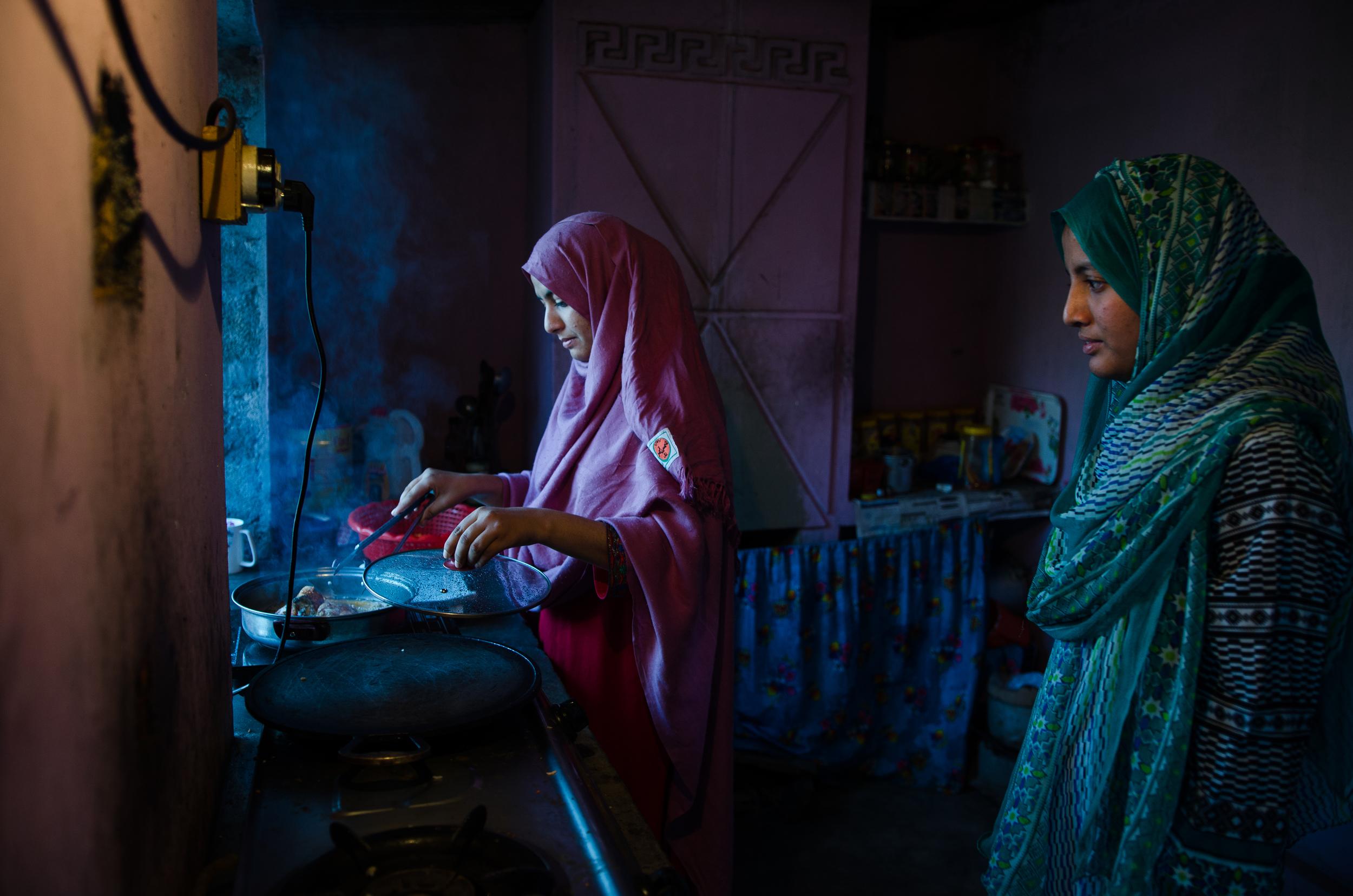 Nimra & Sumaya | Muzaffarabad (1/3)