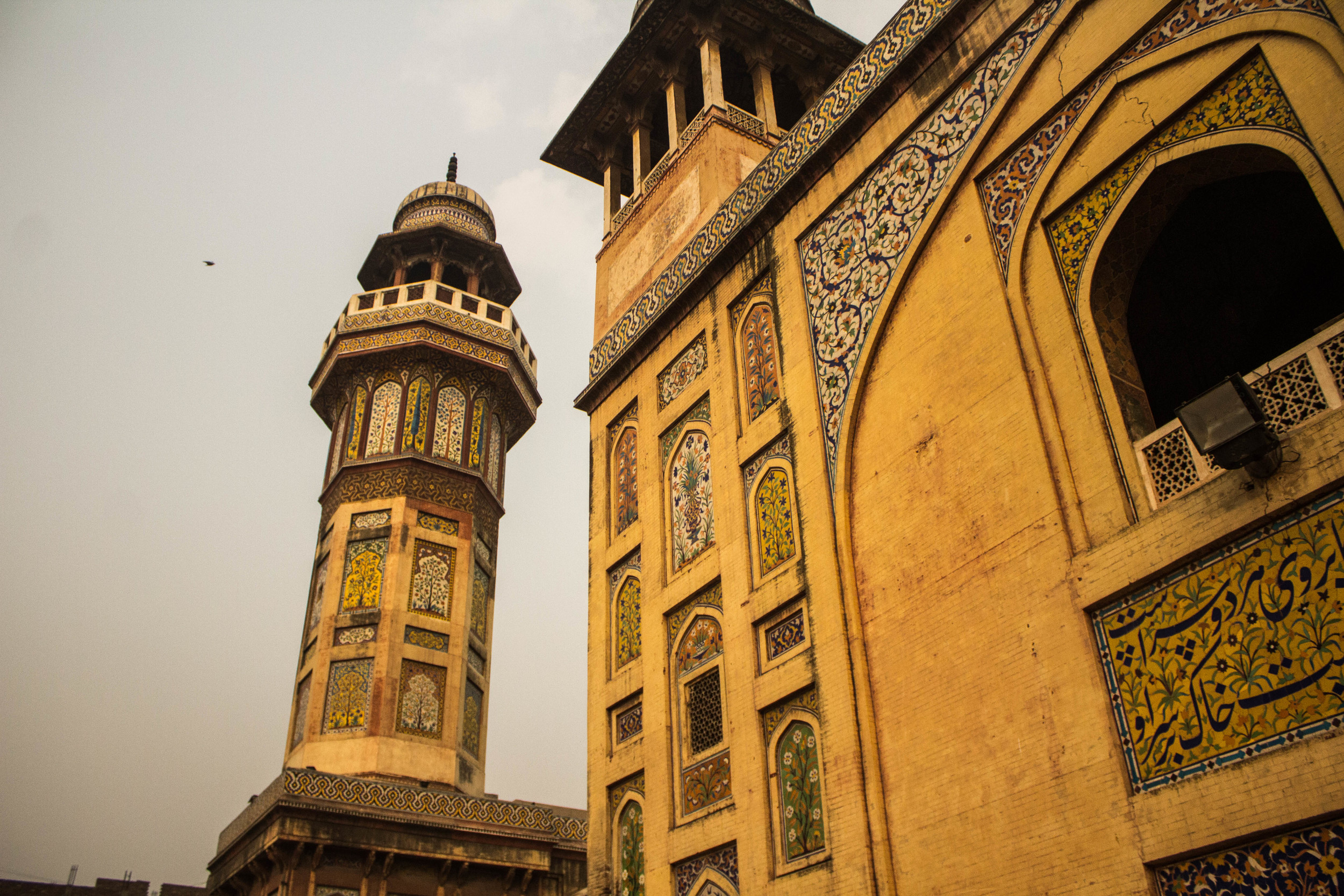 Lesser known than the Badshahi Masjid, the Wazir Khan Masjid inside Old Lahore and accessible via the Delhi gate was built under orders from the fifth Mughal Emperor Shah Jehan.