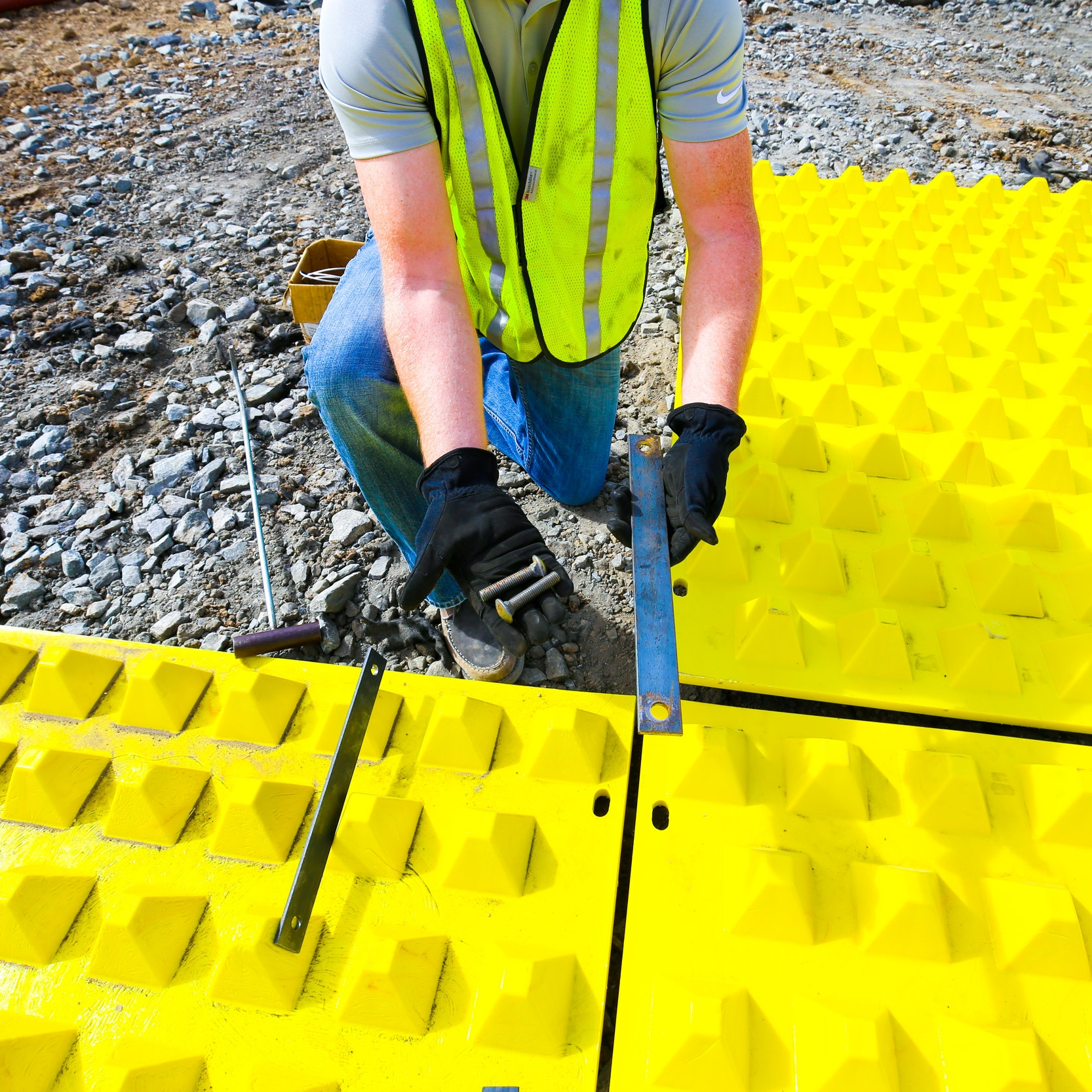 Connecting Construction Mud Mats with Hardware