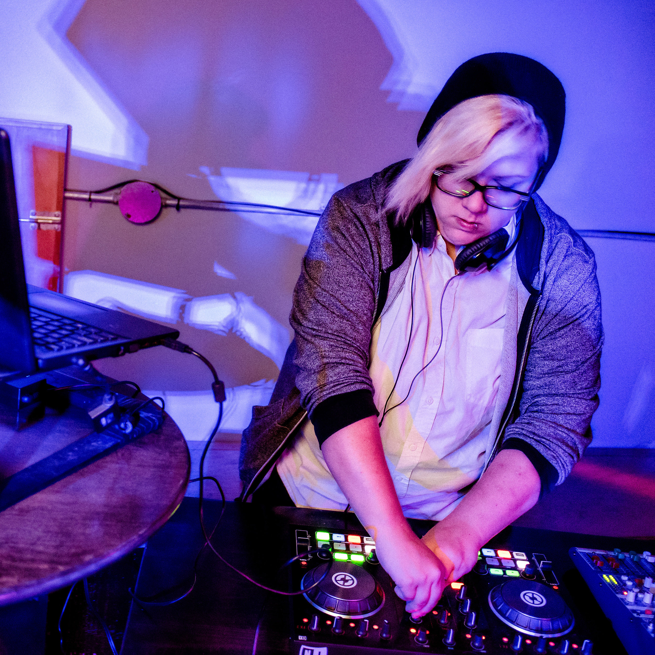 M'Damn D - session 1    https://www.mixcloud.com/madamd   Your genre blending, gender bending DJ, spinning all walks of bass! Co-founder and resident DJ of FIERCE (Guelph's only regular queer+ event), M'Damn D has been organizing/DJing all kinds of events over the past 10 years, from Burlesque shows to club nights to festivals. What to expect? A little bit of everything! Soul, funk, house and all that good stuff in between, with sprinkles of nostalgia to keep you boogieing all night long. Requests and respect always welcome.