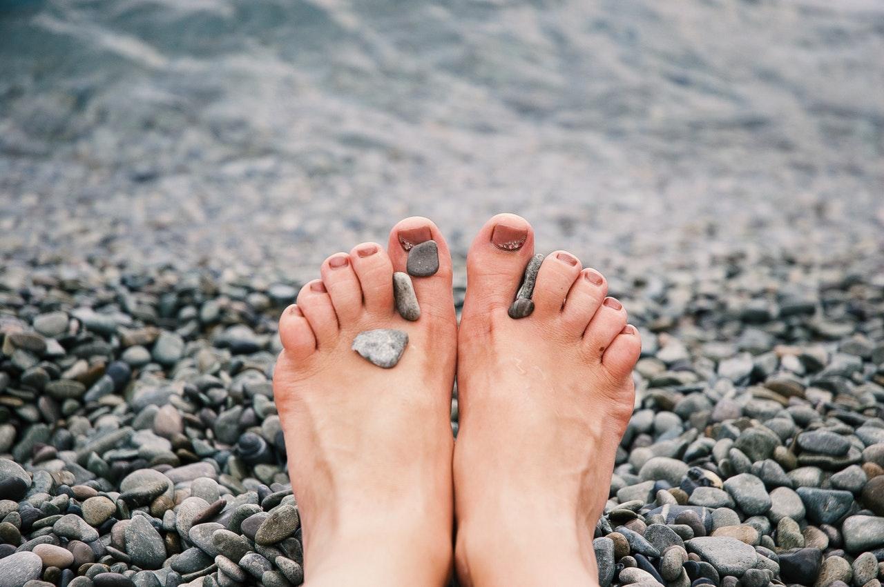 adult-feet-female-1274061.jpg