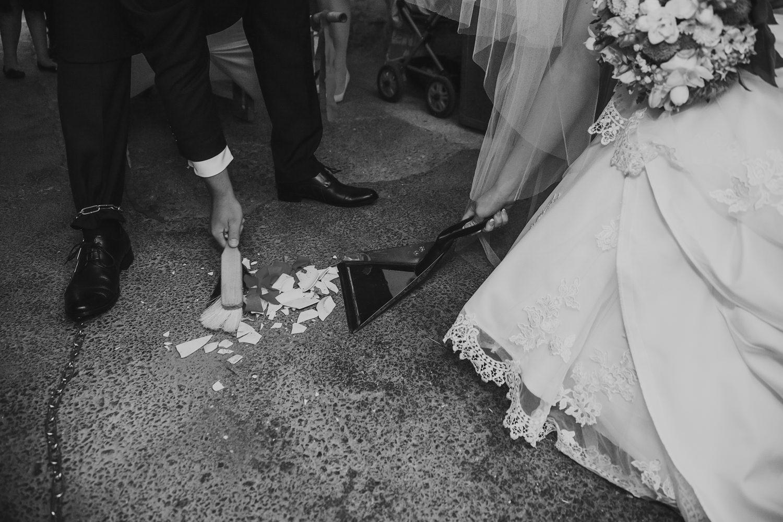 svatebni-tradice-zvyky-a-povery-koule.jpg