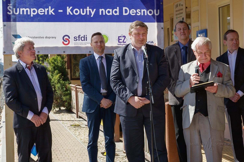 zeleznice_desna_slavnostni_zahajeni035.psd