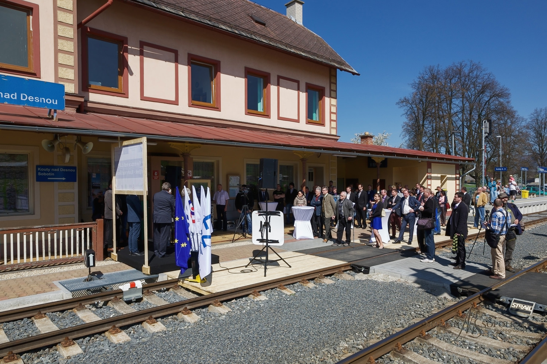 zeleznice_desna_slavnostni_zahajeni029.psd