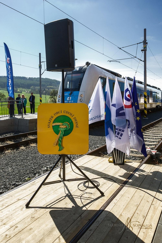 zeleznice_desna_slavnostni_zahajeni044.psd