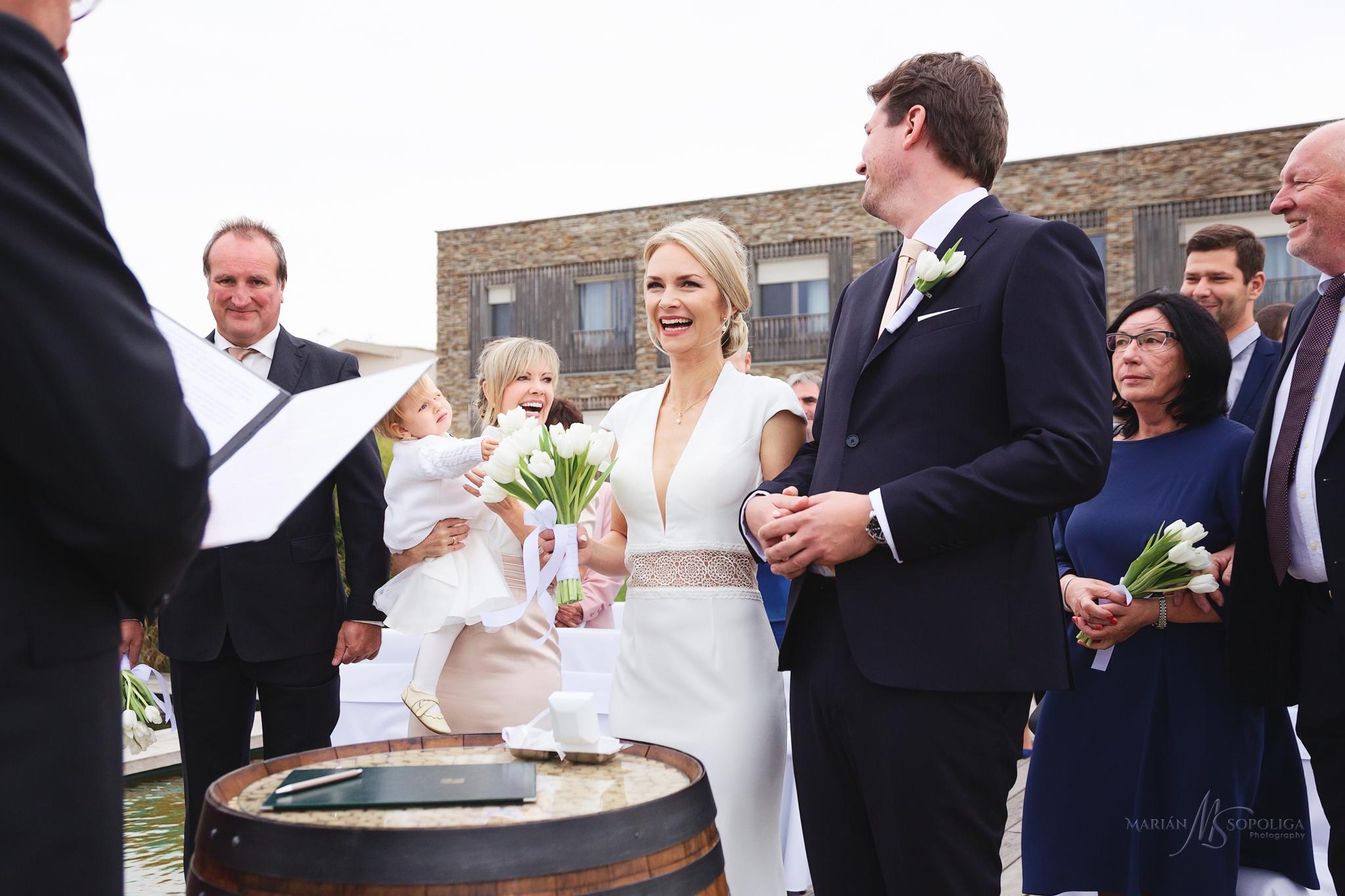 foceni-svateb-v-hotelu-vinice-hnanice-na-jizni-morave-momentka-z