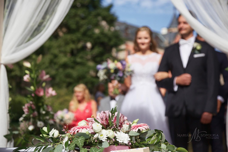 svatebni-fotograf-statni-zamek-sychrov-reportazni-fotografie-z-o