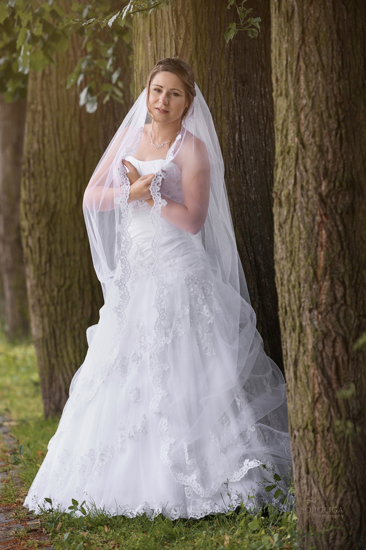 svatebni-portret-nevesty-v-lazenskem-parku-slatinice.jpg