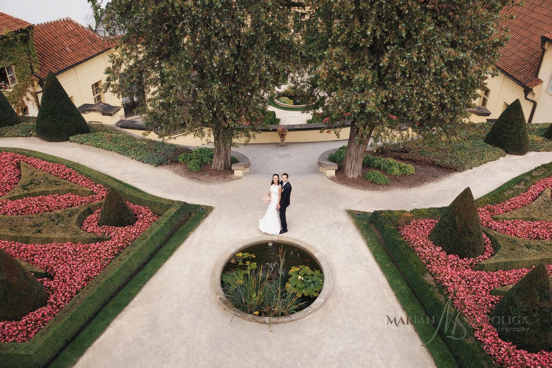12foceni-svateb-praha-vrtbovska-zahrada.jpg