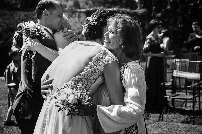 svatebni-fotografie-karlovy-vary-gratulace-po-obradu.jpg
