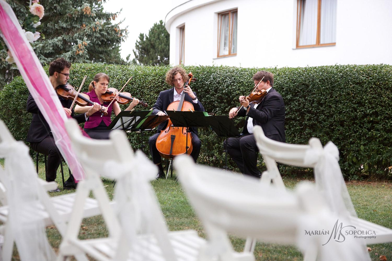 Copy of svatebni-fotograf-brno011.jpg
