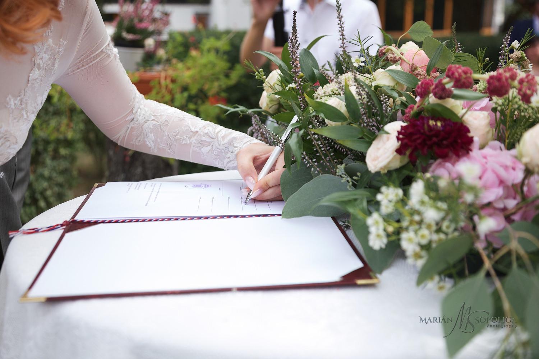 Copy of svatebni-fotografie-hotel-atlantis-brno013.jpg