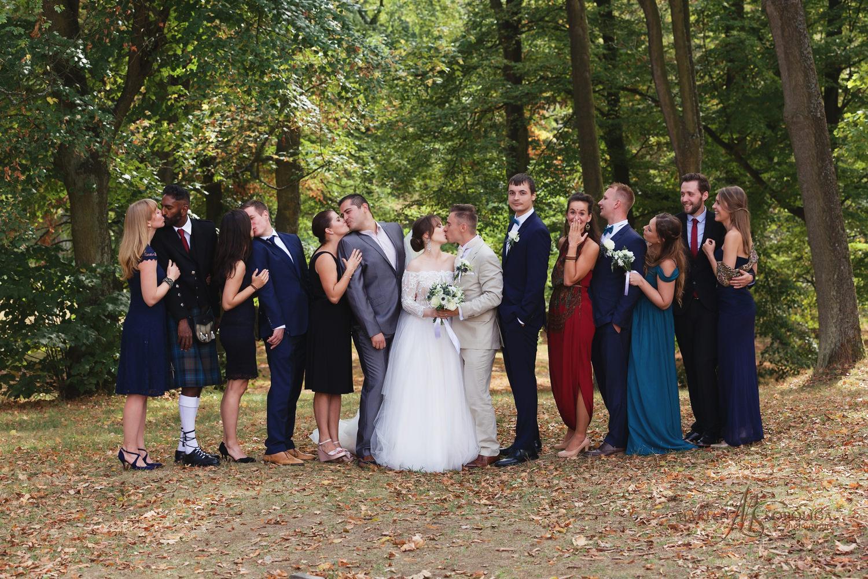 33profesionalni-svatebni-fotograf-hrad-bouzov-skupinove-fotograf