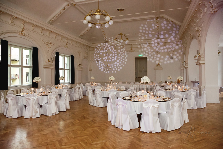 49reportazni-svatebni-fotografie-ze-svatby-v-dome-u-parku-v-olom