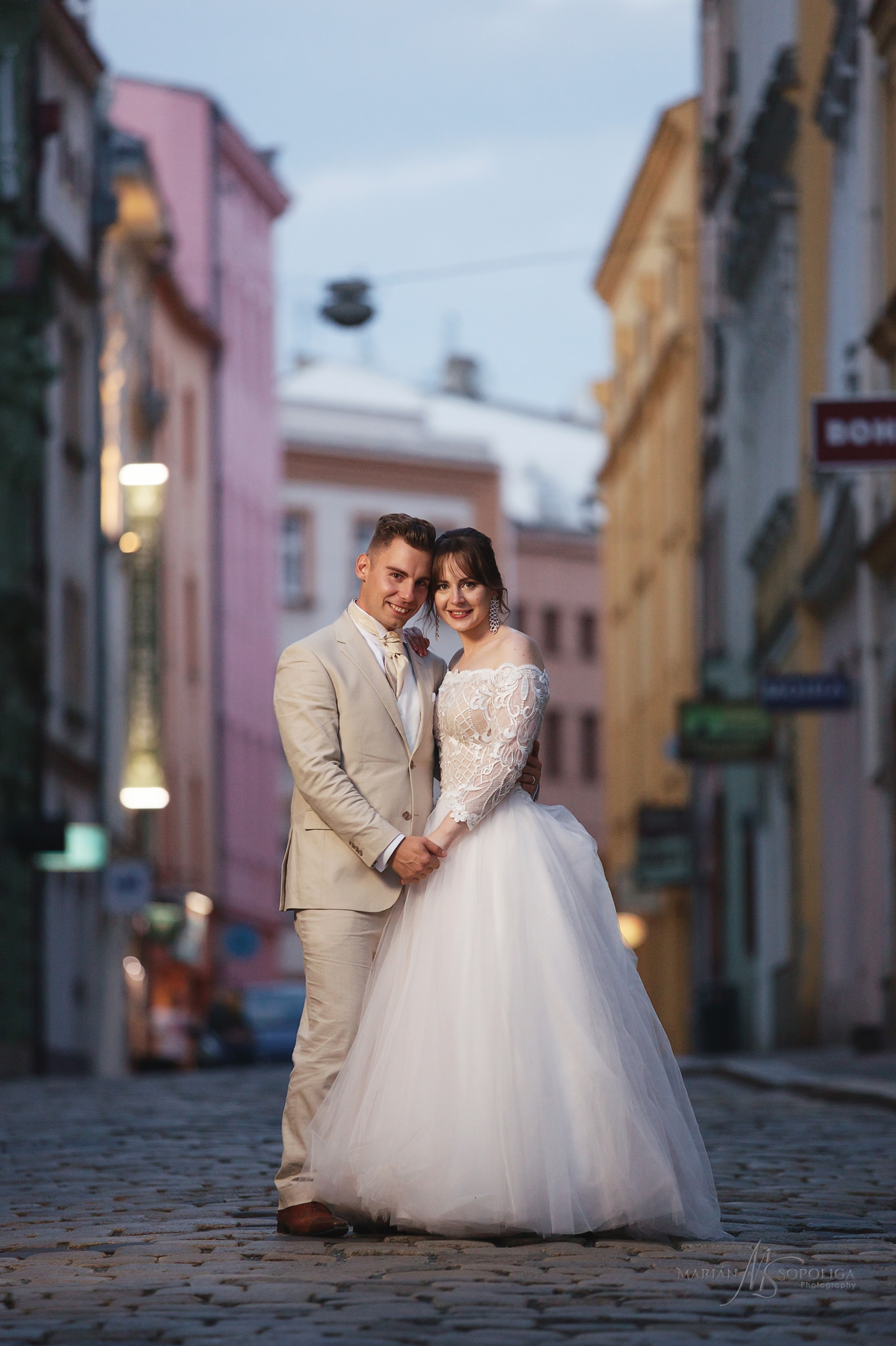 67portretni-svatebni-foto-zenicha-a-nevesty-u-caesarovy-kasny-v-