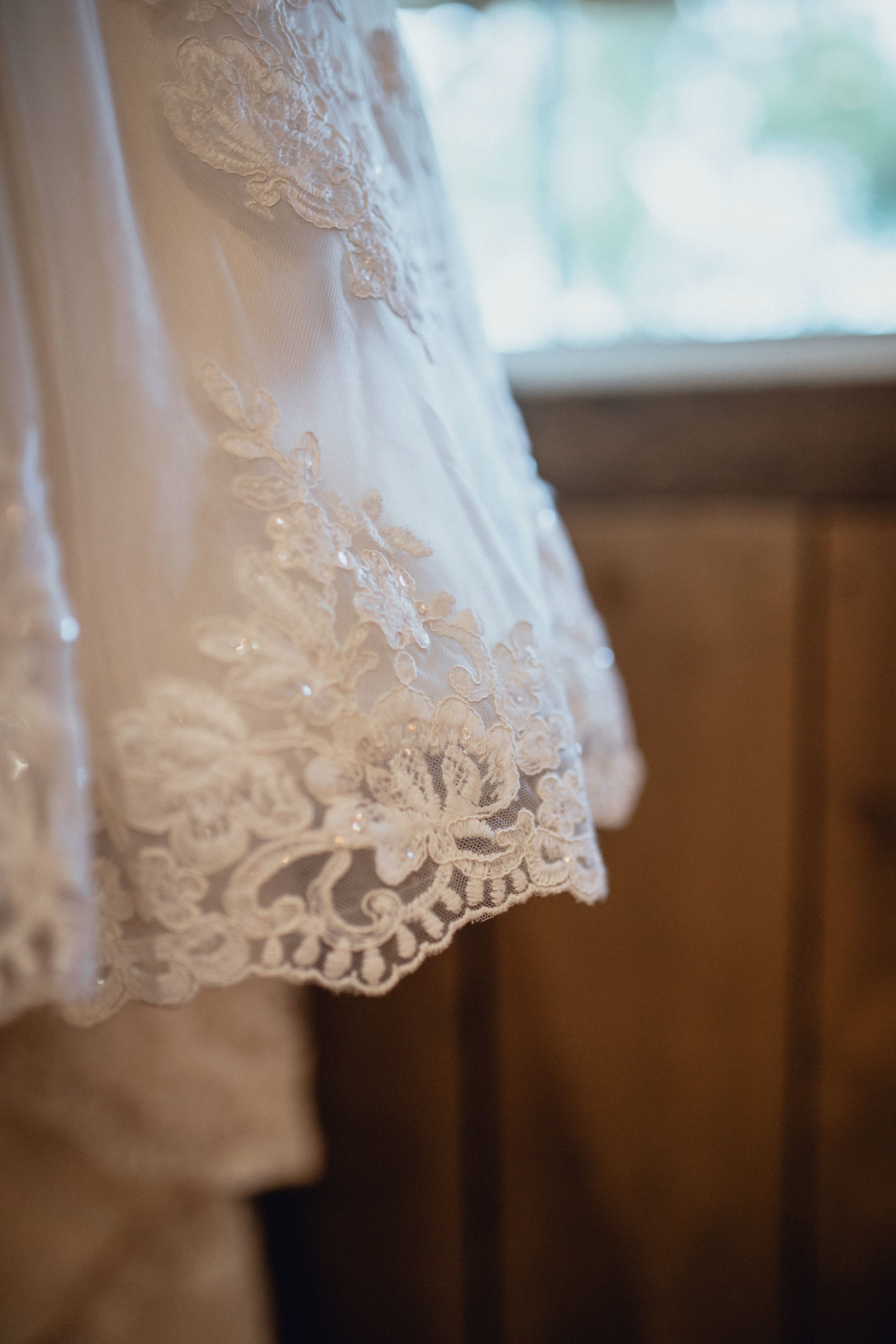 wedding-dress-details-closeup-at-RUSTIC-MANOR-1848.jpg