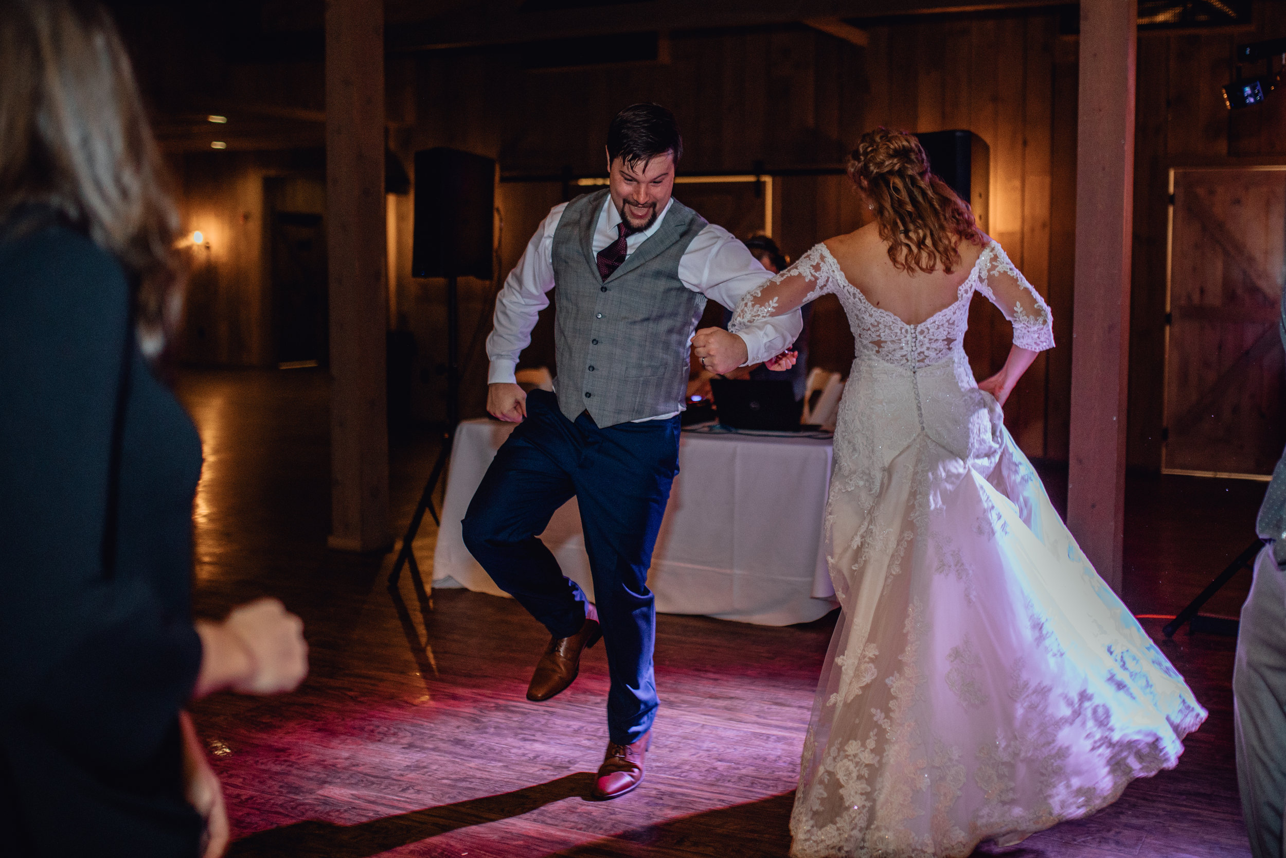 bride-and-groom-dancing-at-rustic-manor-1848.jpg