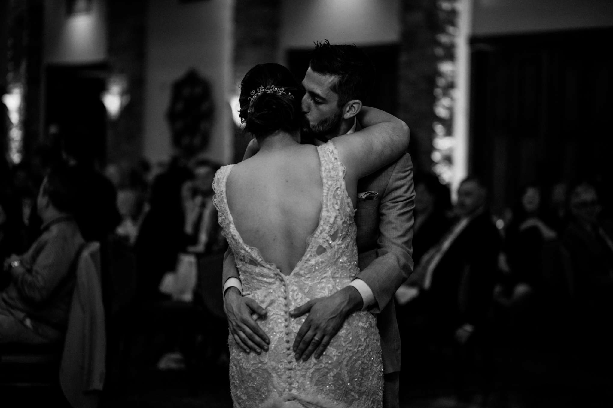 bride-and-groom-first-dance-at-brandybrook-black-and-white.jpg