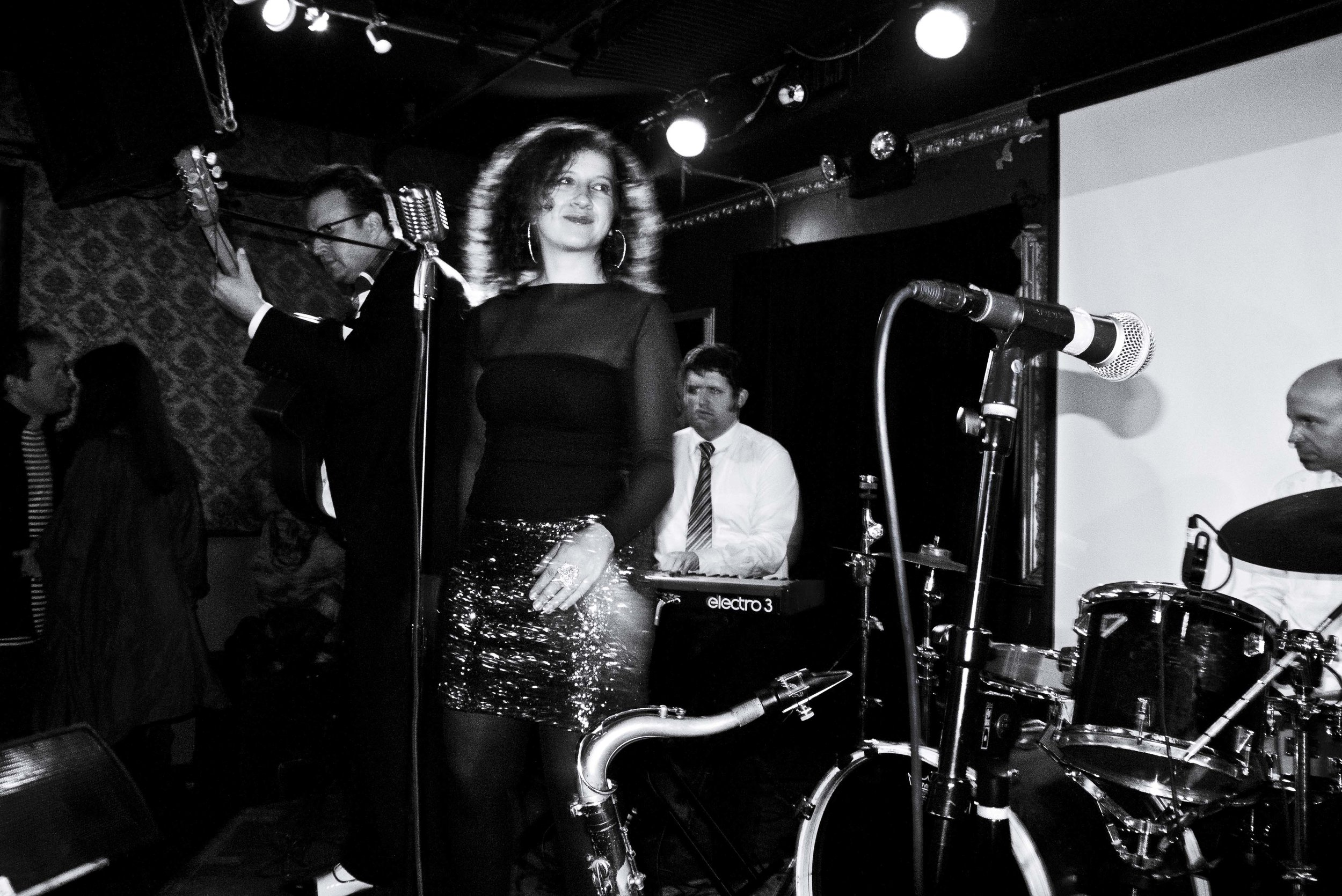 1920s Jazz Bands in NYC Today - Live Jazz with Svetlana