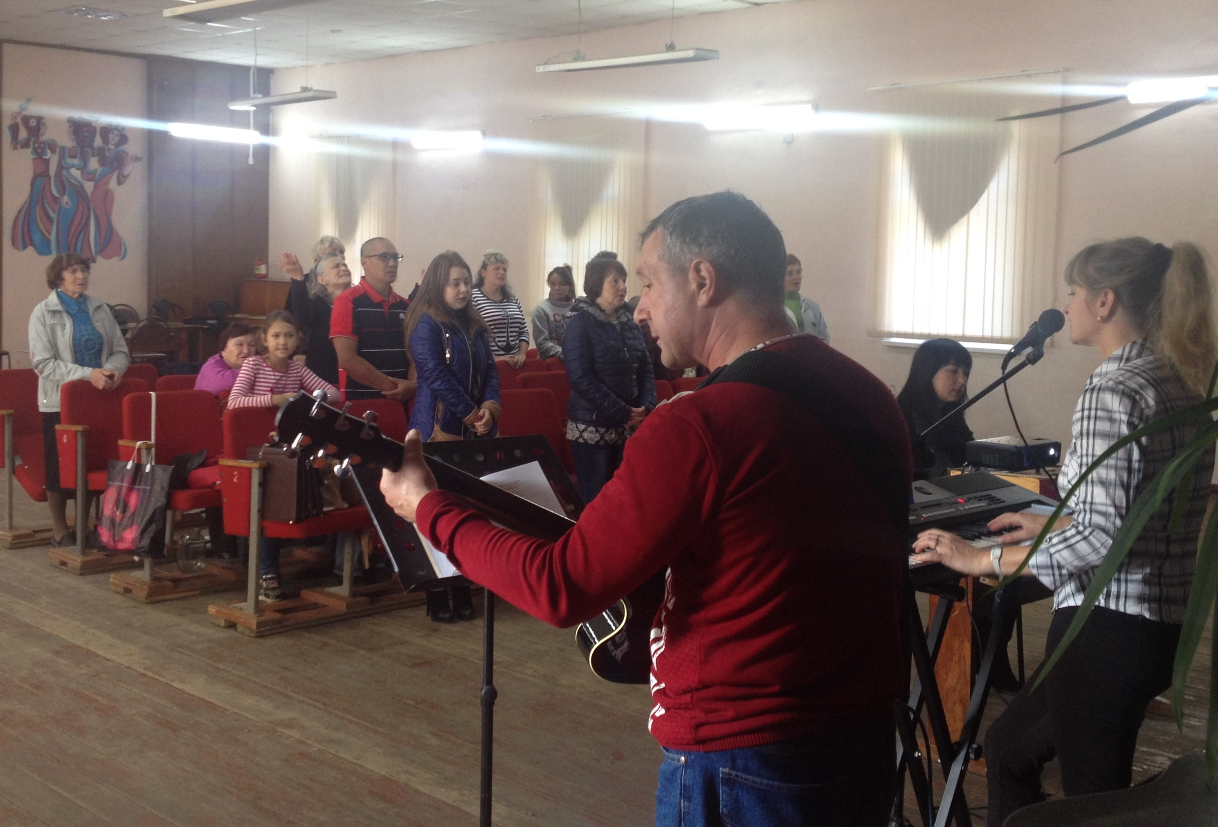 Singing Psalms before the worship service.