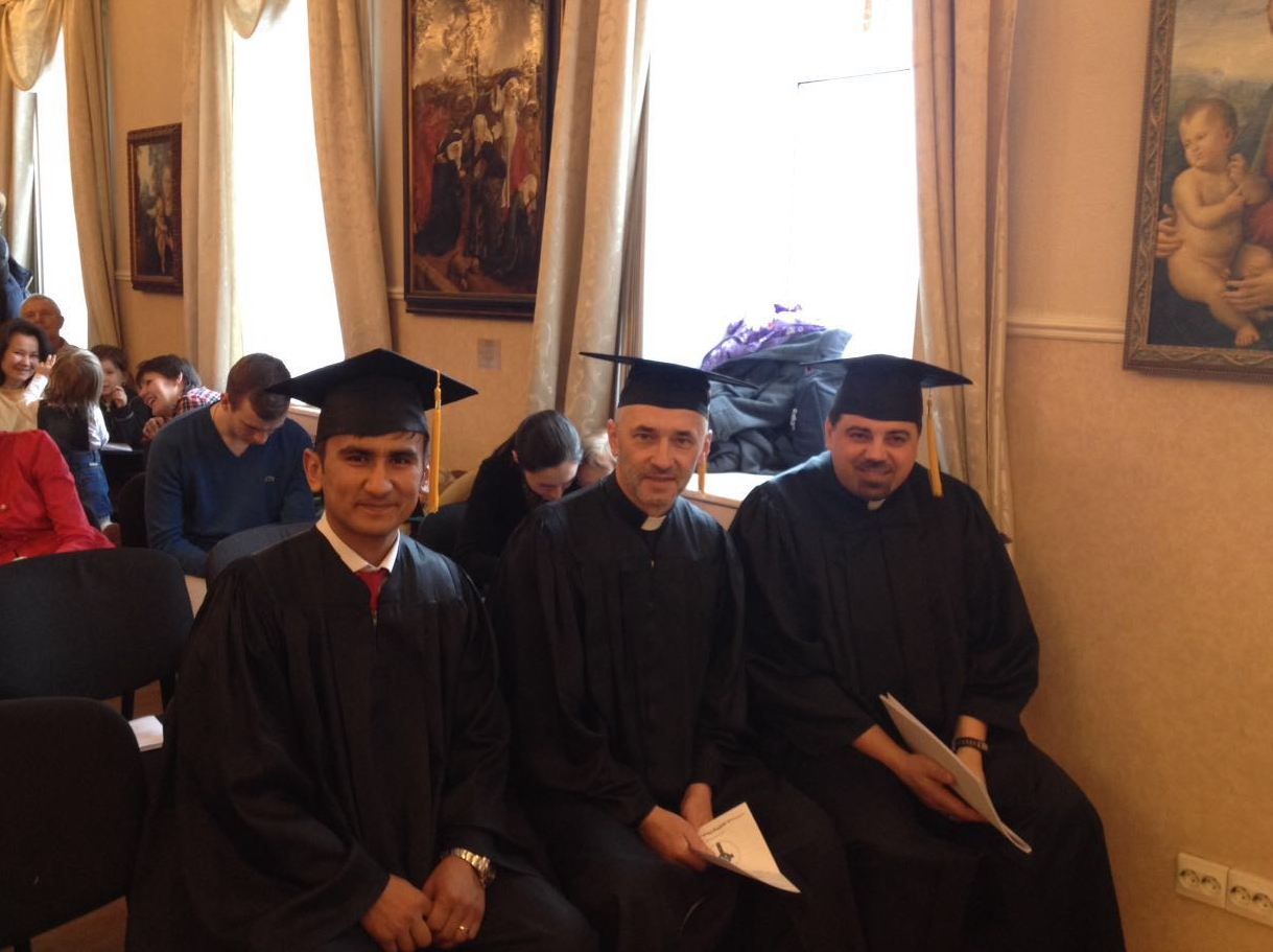 Seminary graduates (from left to right) Nodir Khusainov, minister of the Gospel in Uzbekistan, Ruslan Moroz, pastor of Light to the World Presbyterian Church in Romanovka,the Far East of Russia,and Timur Anichkin, pastor of Christ the Savior Church in Yurmala,Latvia,are ready to receive their dimplomas.