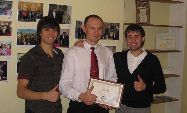 Evgeni Ikonnikov with his diploma in Biblical studies.