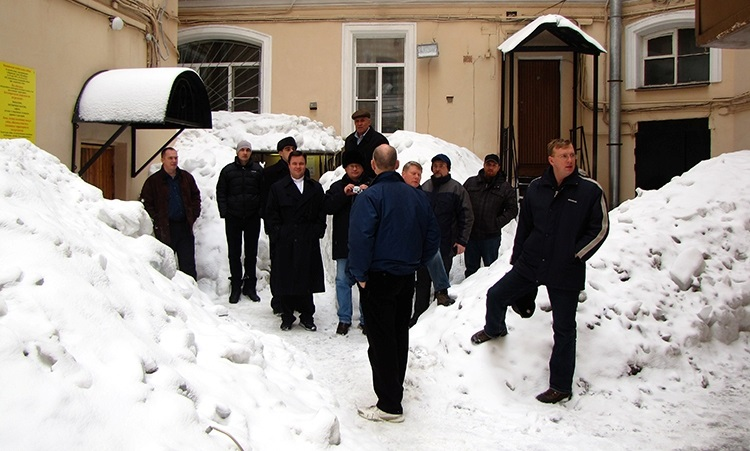 Students and professors in the courtyard of the seminary. That was a very snowy season. March 2010.