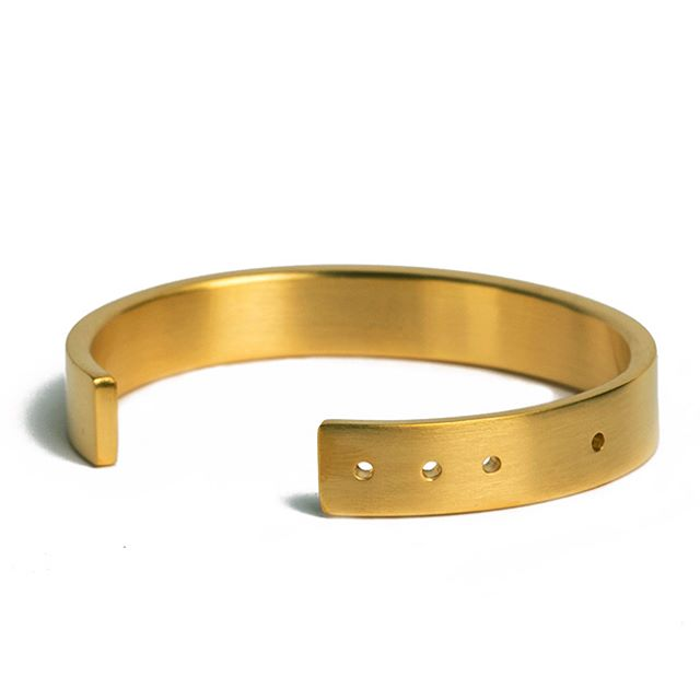 Our 18-karat gold-plated Thin Cuff, up for auction at @welovehanalei, because we love Hanalei. Auction ends April 30.