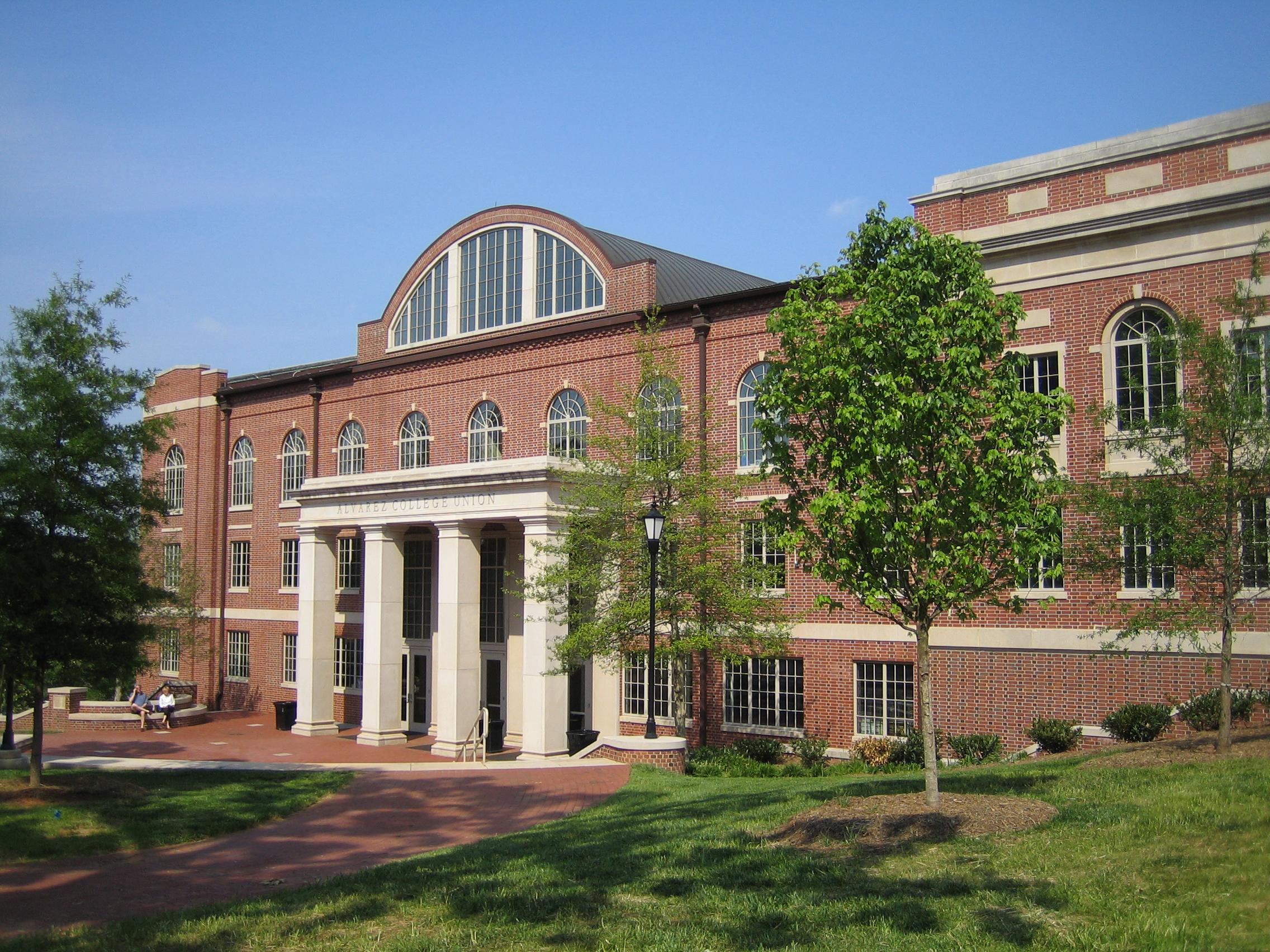 Alvarez_College_Union,_Davidson_College,_NC.jpg