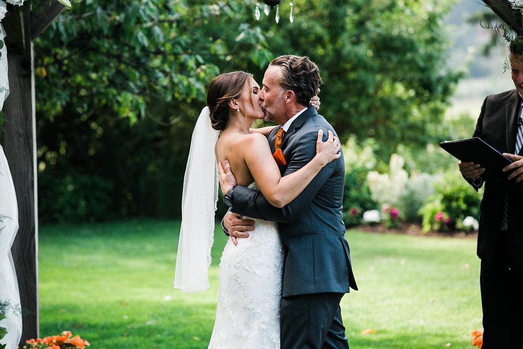 Erin+Tyson_The_Kelley_Farm_Wedding_by_Adina_Preston_Weddings_690.JPG
