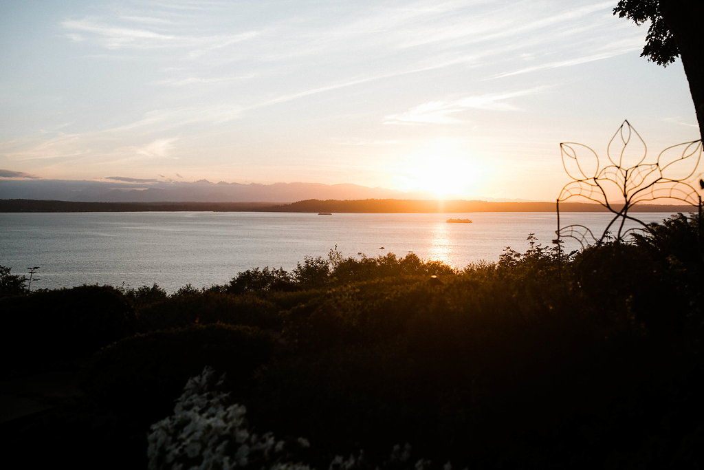 Sunset_The_Knot_Woodway_Seattle_Wedding_backyard_wedding_by_Adina_Preston_Weddings