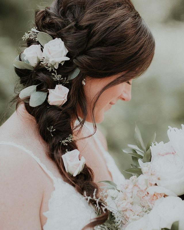 Hair Art Alert ‼️‼️ Chelsey wore this  mermaid braid with roses 🌹 so beautifully on her wedding day! Can't get over how gorgeous she looked!