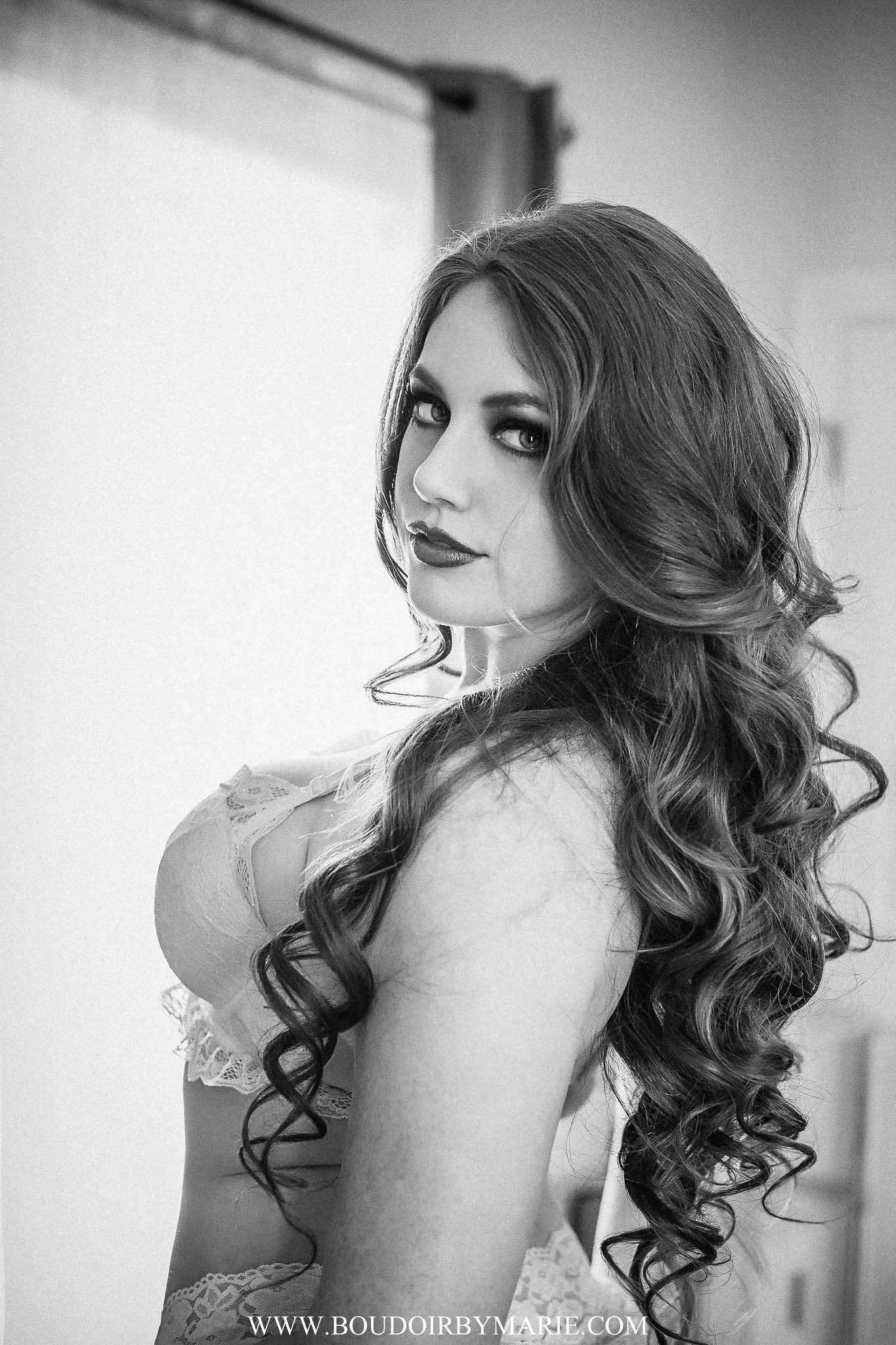 black-white-boudoir-beauty-services-charleston-MissJ-7.jpg