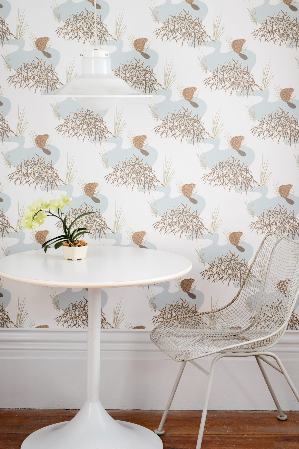 Kate Golding Beaver Dam wallpaper // Modern wallcoverings and interior decor.