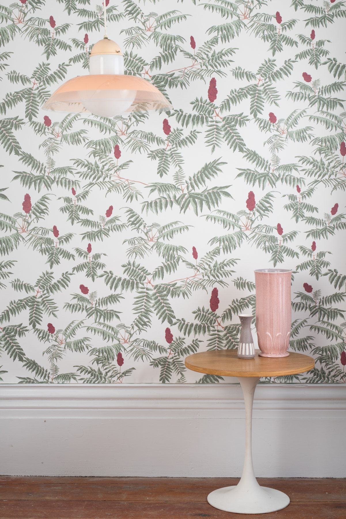 Kate Golding Sumac wallpaper // Modern wallcoverings and interior decor.