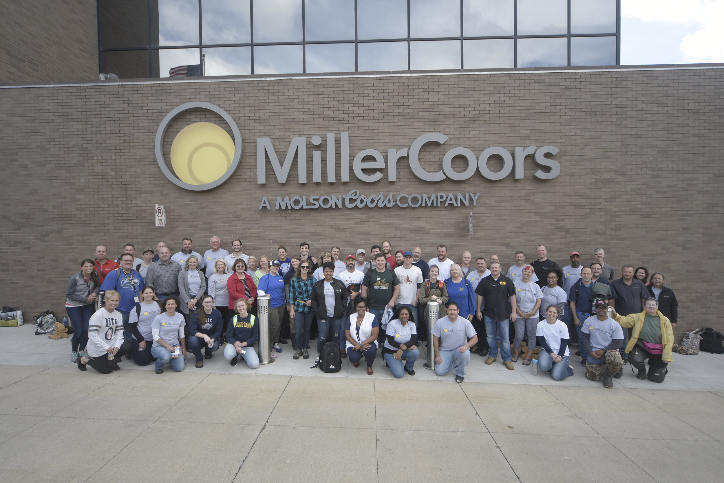 An enthusiastic group of MillerCoors and Sweet Water volunteers!