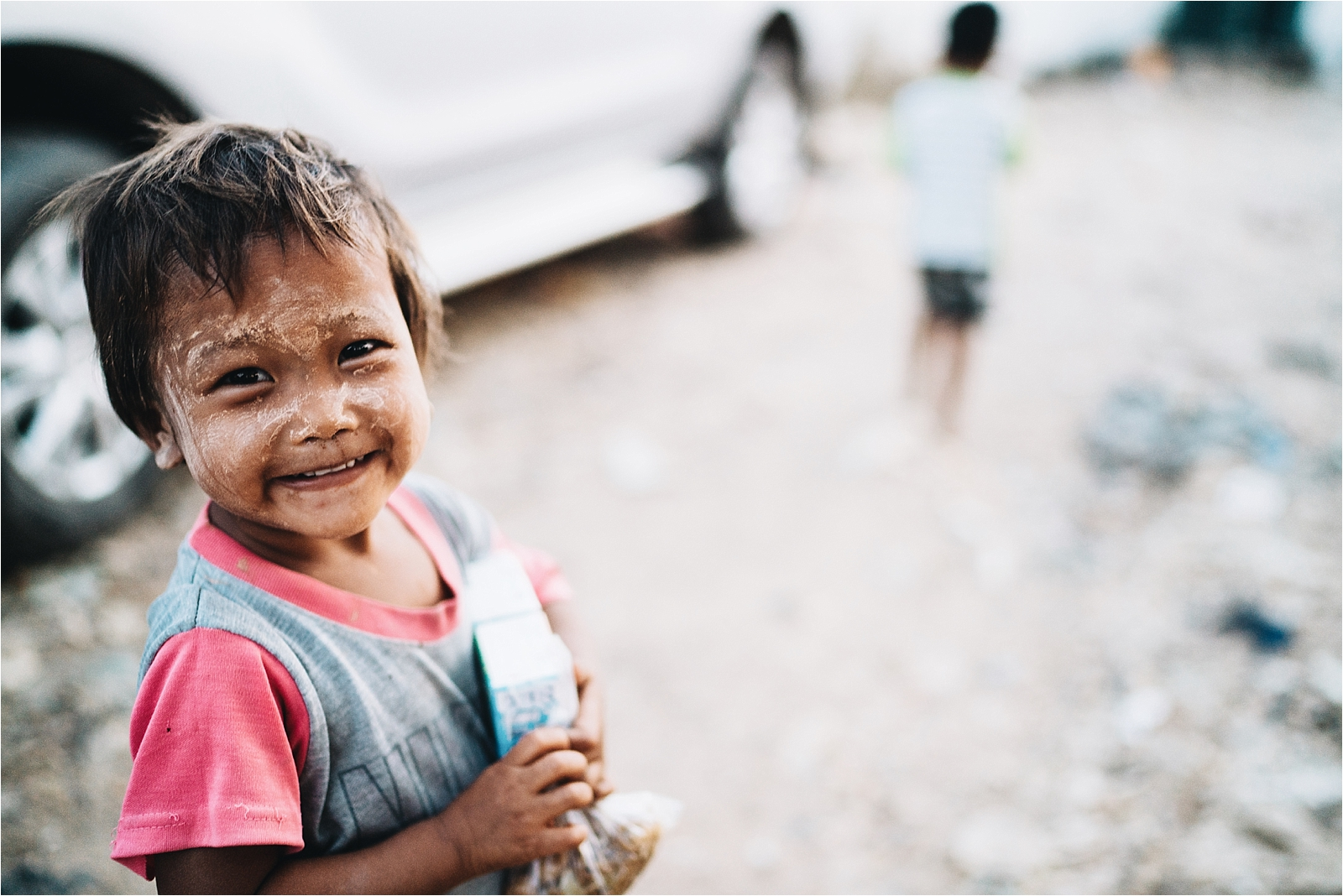 - 10 years ago I met a little girl begging on the streets of Mae Sot, Thailand. I didn't know it then, but this little girl would change my life forever.