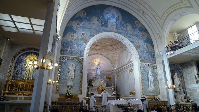 Chapelle Notre Dame de la Médaille Miraculeuse (Photo credit: atlasobscura.com)
