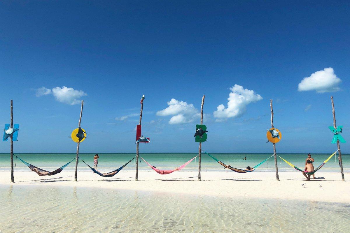 Isla-Holbox-beach.jpg.1200x800_q85.jpg
