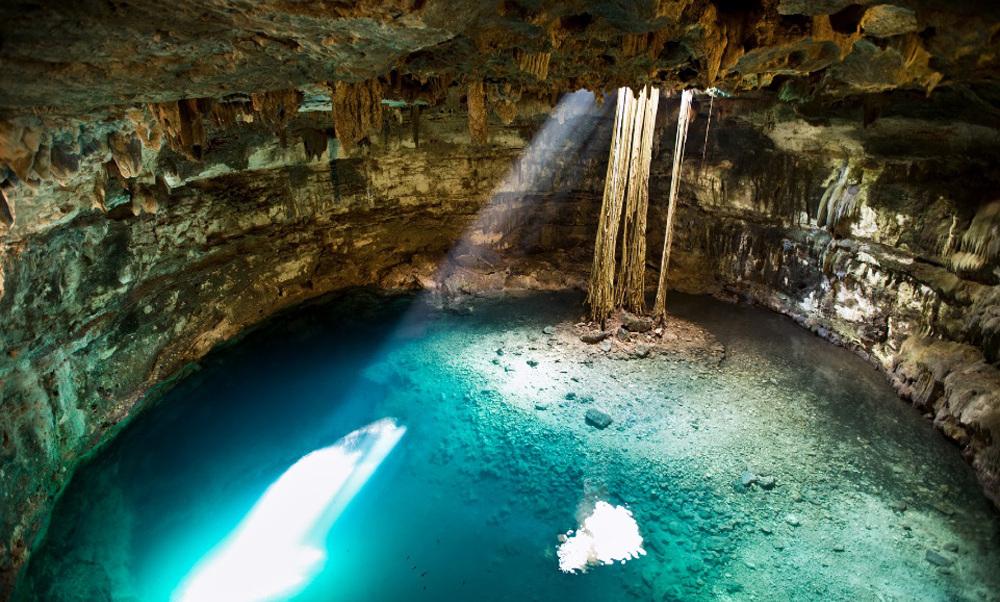 Cenote-Yucatán.jpg