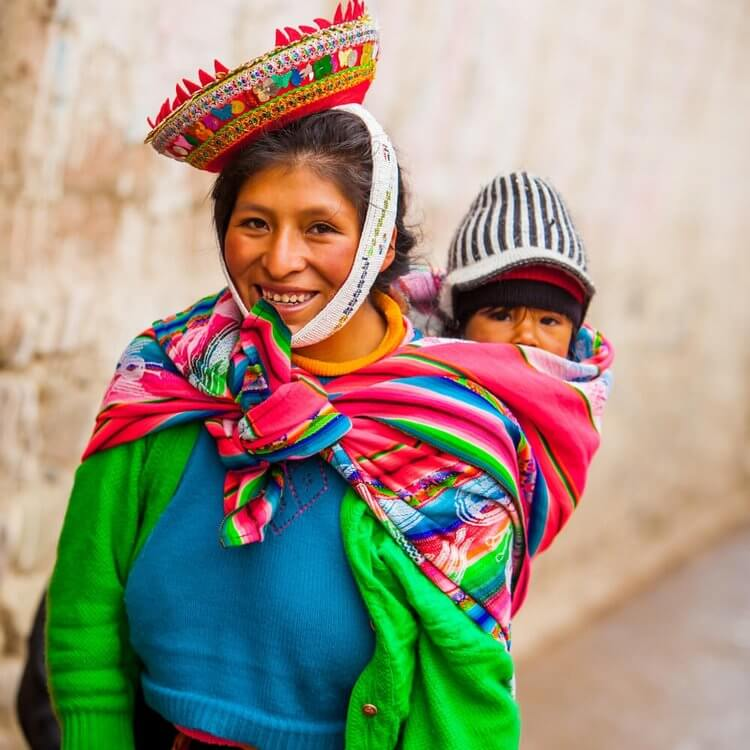 Quechuan woman and child www.andeanahats.com