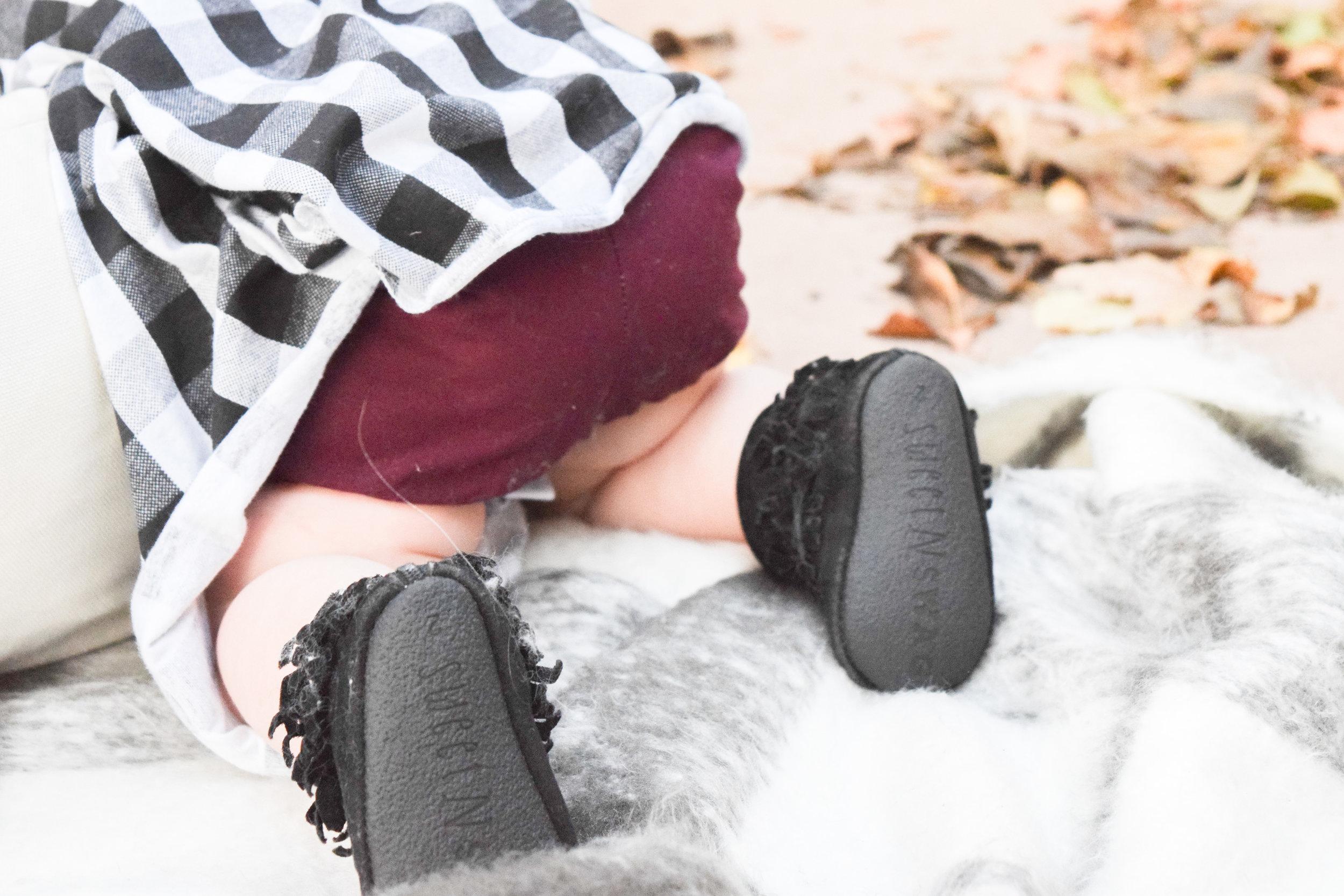 BABY FASHION | A Black + White Winter Baby Dress