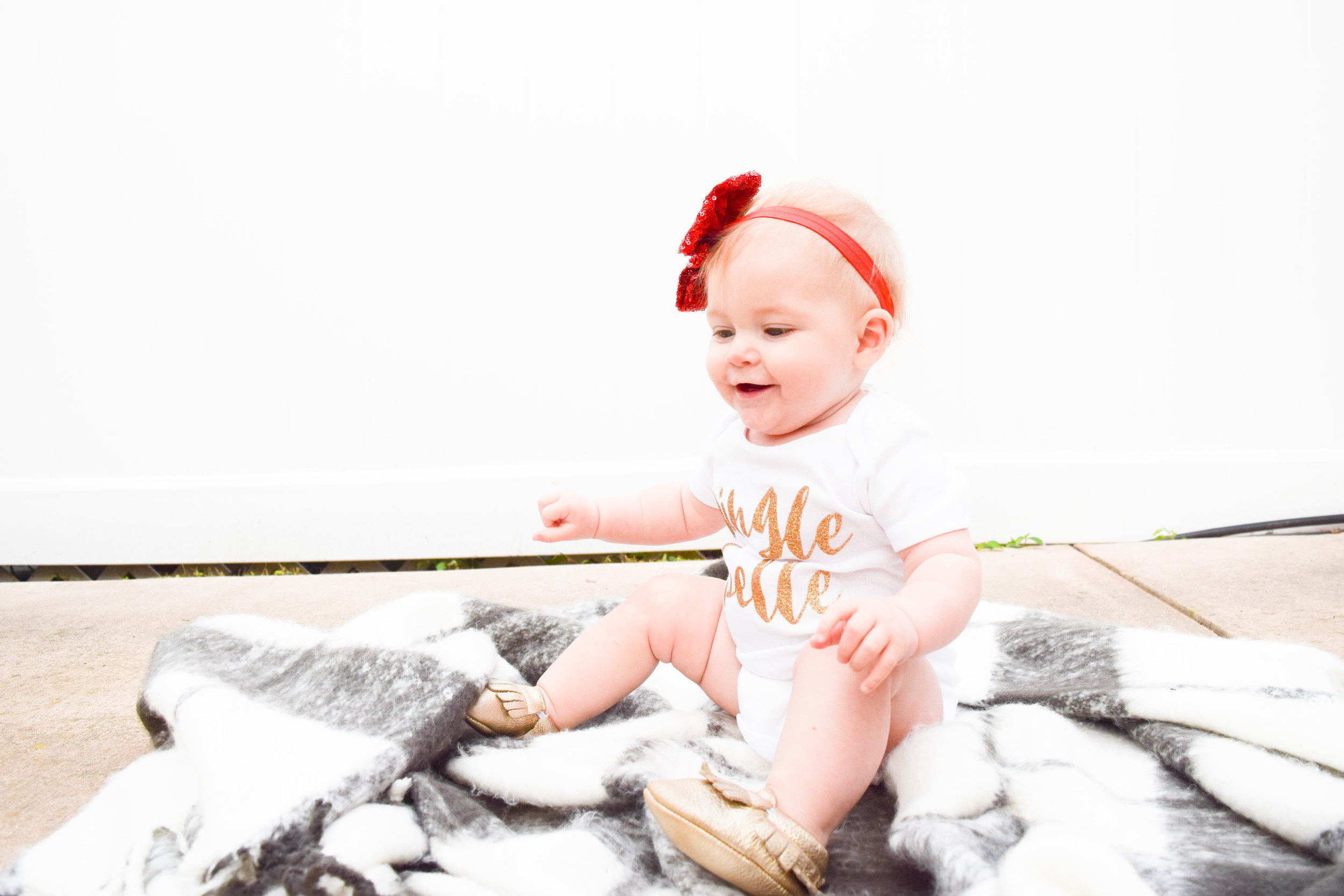 KIDS FASHION | Baby Holiday Onesie -- Jingle Belle