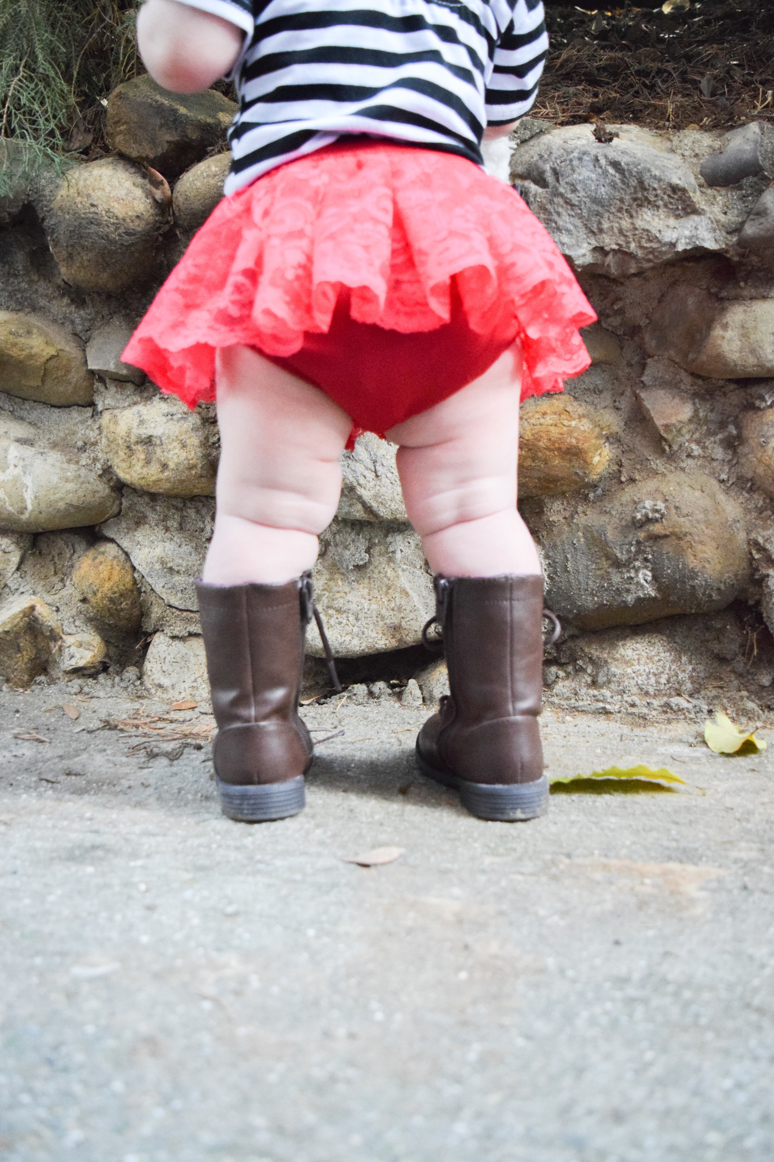 Hip Urban Baby Fashion - Red Lace Valentine's Day Baby Bloomers