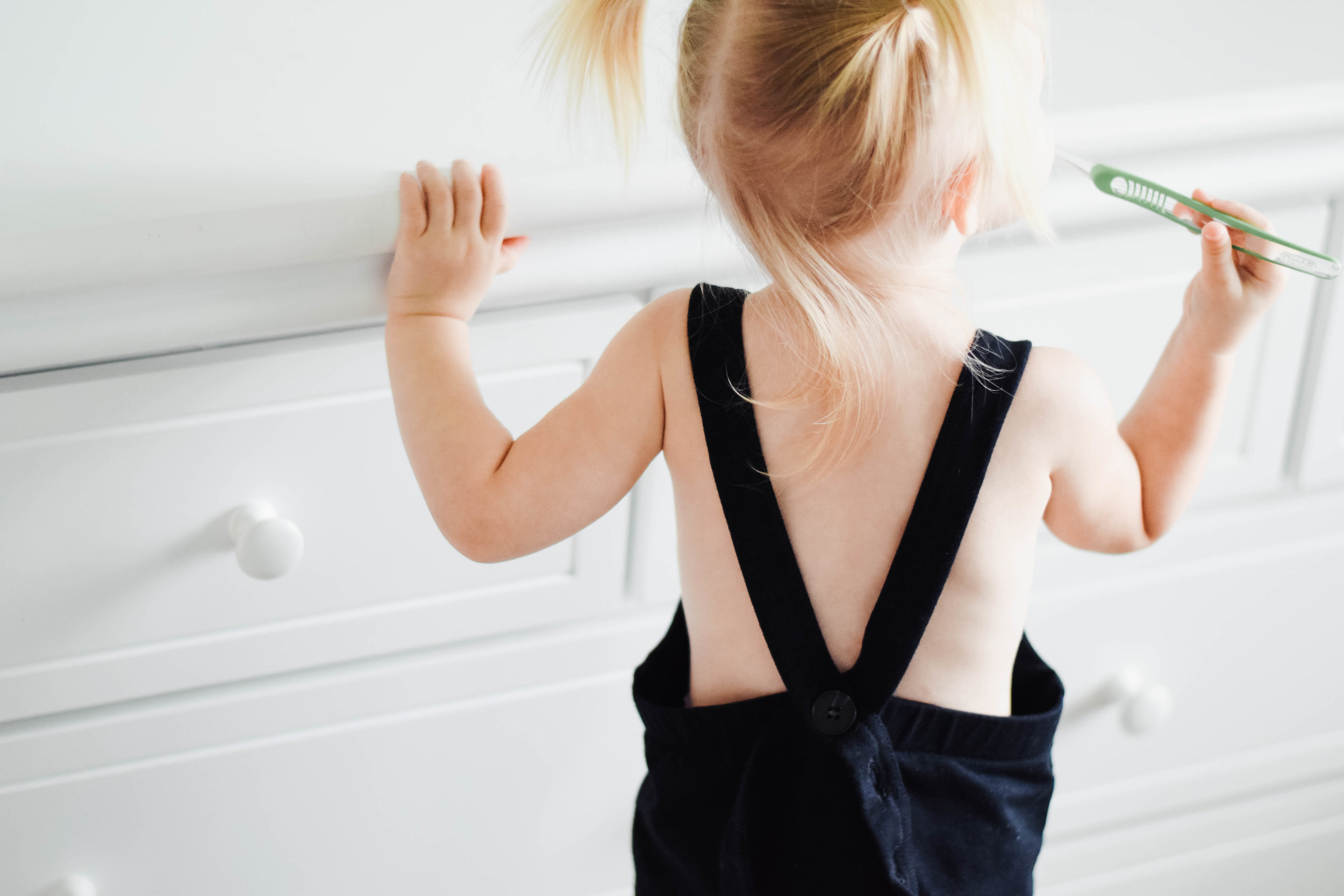 8 Item Capsule Wardrobe for Babies + Toddlers -- Haven Kids -- Mommy Blog - The Overwhelmed Mommy
