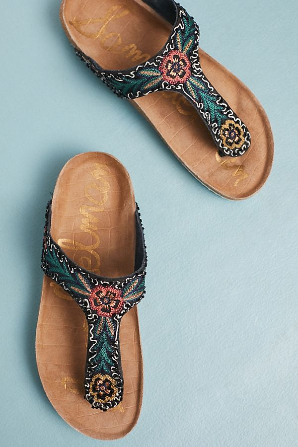 Cute Women's Sandals - 2018 Trending Spring/Summer Sandals -- Mommy Fashion Blogger - The Overwhelmed Mommy