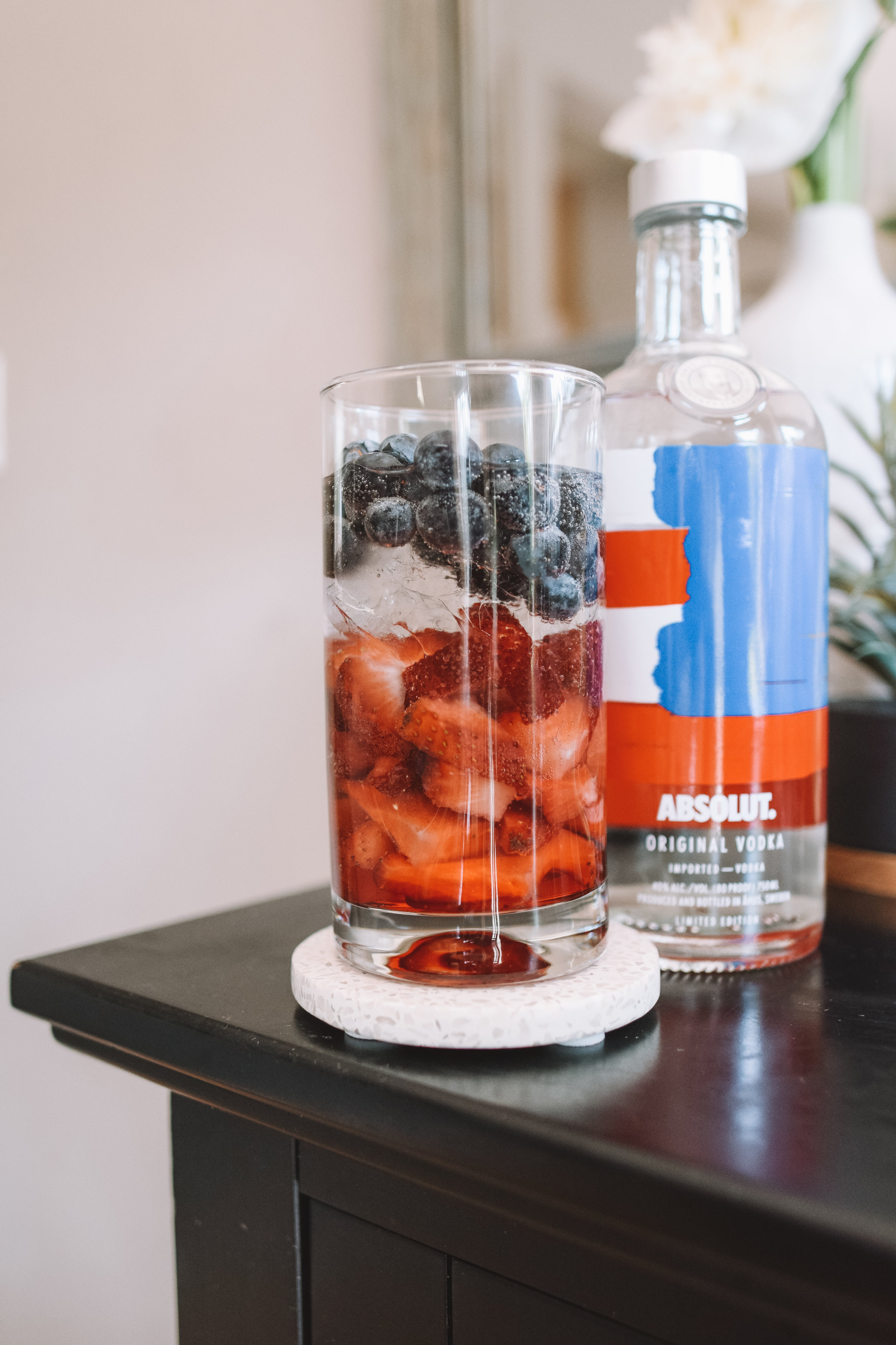 Red, White + Blue Cocktail Recipe - The Overwhelmed Mommy Blogger